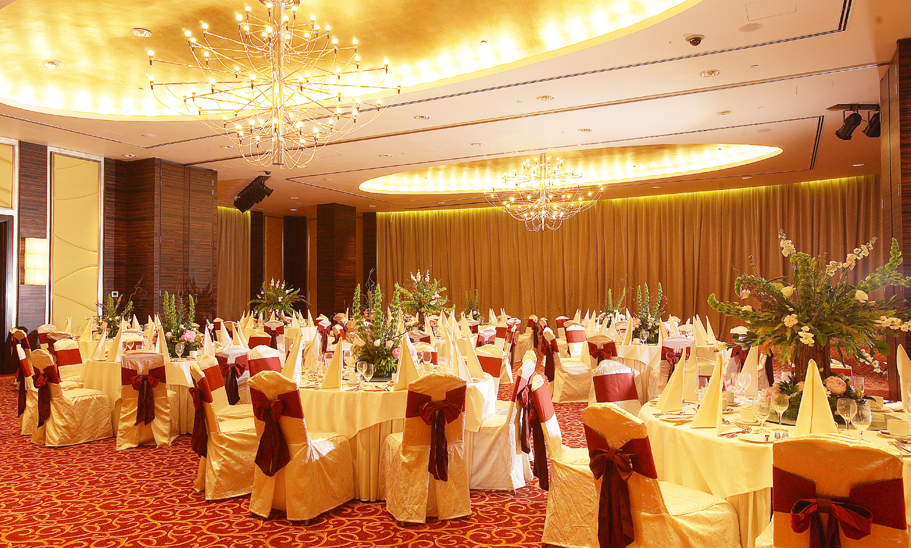 How to choose a perfect wedding hall